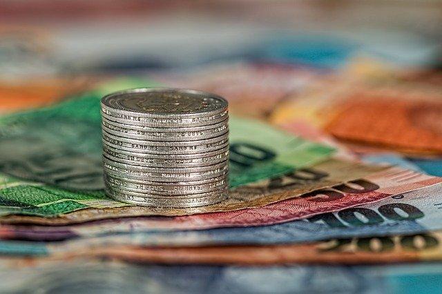 La banque centrale et les monnaies.