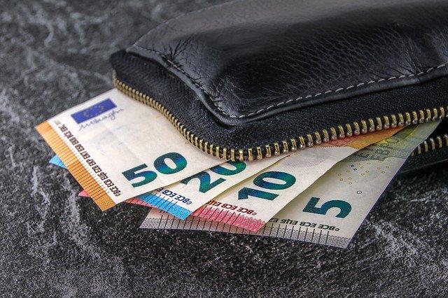 frais bancaires qui sont illisibles