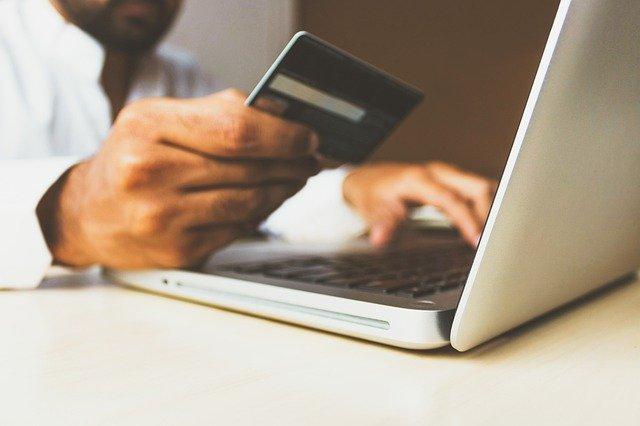 Les avantages des cartes à autorisation systématique